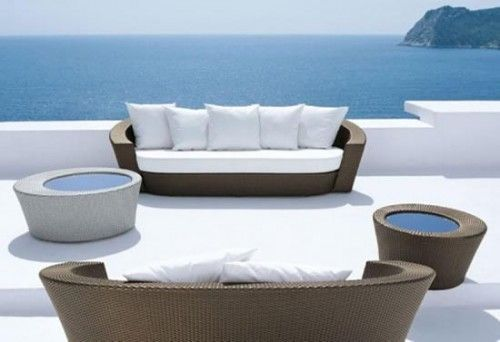 Dise o de muebles de rattan para exterior redondeados for Muebles exterior diseno moderno